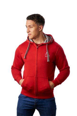 ajpa i czerwona bluza rozpinana z kapturem