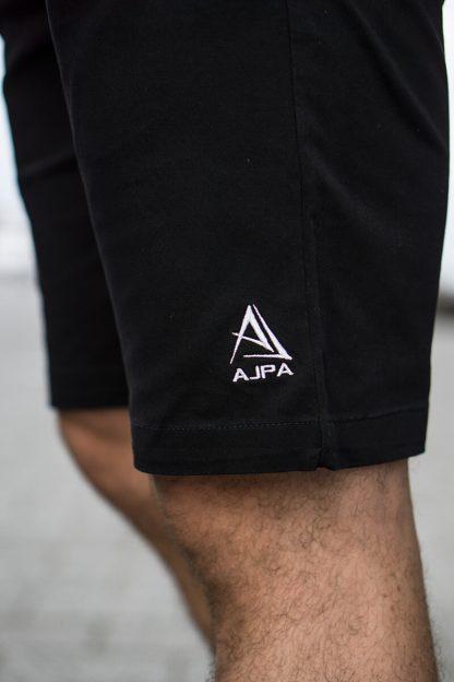 ajpa krótkie spodenki chino czarne logo