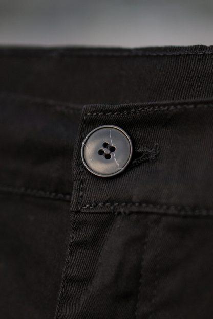 ajpa krótkie spodenki chino czarne material